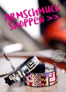 Drei bunte Ethno-Armbänder von Smitten. >> Hier mehr Boho Schmuck shoppen.